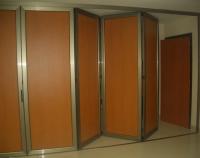 Cerramientos plegables barcelona cerramientos tipo fuelle - Puertas plegables de aluminio ...