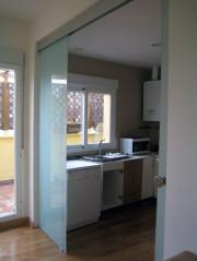 Puertas autom ticas de cristal puertas el ctricas de vidrio for Puerta corredera cocina ikea